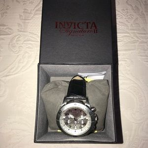 EUC Invicta Silver Case Black Croc Leather Watch